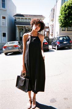 <h1>Poplin midi dress, square neckline, thin criss-cross back with pockets. By Toit ...