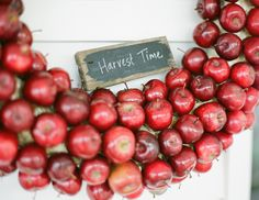 MUST make one of these - an apple wreath for the front door - heaven!!!!