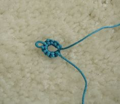 Tatting Lace 101 - Let& learn how to tat! Tatting Patterns, Knitting Patterns Free, Crochet Patterns, Needle Tatting, Tatting Lace, Tatting Tutorial, Weaving Looms, Pinterest Projects, Lace Making