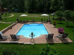 Having a pool sounds awesome especially if you are working with the best backyard pool landscaping ideas there is. How you design a proper backyard with a pool matters. Backyard Pool Landscaping, Swimming Pools Backyard, Swimming Pool Designs, Pool Decks, Pools Inground, Pool Spa, My Pool, Barbacoa Jardin, Roman Pool