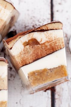 This vegan tiramisu is so smooth, rich, and creamy, you won't believe it is dairy free! The vegan mascarpone takes it to another level! Köstliche Desserts, Vegan Dessert Recipes, Delicious Desserts, Vanilla Sheet Cakes, Vegan Tiramisu, Vegan Kitchen, My Dessert, Vegan Butter, Good Food