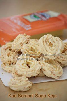 PAWONIKE - this is my kitchen rules...: Kue Semprit Sagu keju