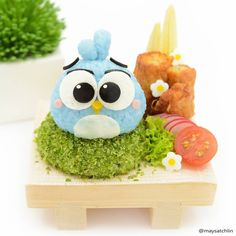 「 Luca  Kate's fav  in the game Angry Birds Stella Kiddos also can't wait to catch The Angry Birds Movie  p.s. rice is colored with butterfly pea… 」