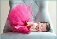 I'm in love with baby girls in a tutu. This picture is gorgeous too