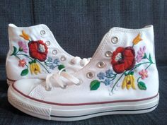 Folk Embroidery Patterns Fun sneakers with Hungarian Folk art design. Hungarian Embroidery, Folk Embroidery, Learn Embroidery, Embroidery Stitches, Embroidery Patterns, Folklore, Converse, Diy Vetement, Art Textile