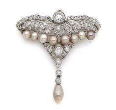 A pearl and diamond brooch/pendant, circa 1910