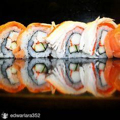 Prospero 2016 #Repost @edwarlara352 with @repostapp  Close up de un uromaki o Sushi roll de reves. A lo largo del 2016 vamos a estar investigando capacitando y difundiendo la comida japonesa por Venezuela y tendremos una variantes que es la de elaborar comida japonesa con ingredientes 100% Venezolanos y estaremos usando materia prima japonesa que se podrá usar en la cocina venezolana campaña que dará mucho de que hablar por lo exótico innovador y arriesgado de los productos que se van a usar…