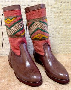 Handcrafted Moroccan Pink Kilim Boot in Brown Leather - Size 40