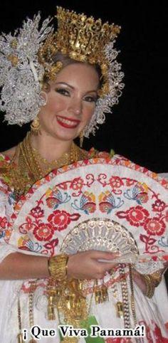 """Traditional dress"""" Pollera """" Panama. La dama de la pollera. Un concurso que se celebra todos los años y se escoje  la mejor pollera."""