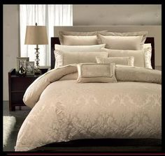 R-T 7pc Hotel Collection Duvet Cover Set-Sarrie