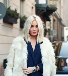 Blonde lob | White fur