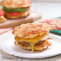 Sandwich recipes 796785359047351314 - This isn't your ordinary breakfast sandwich. Savory sausage, fried egg, and melted cheese on top of a unique hash brown bun make for a tasty and tempting morning meal. Breakfast Casserole Sausage, Breakfast Bake, Breakfast Potatoes, Tasty Videos, Food Videos, Brunch Recipes, Breakfast Recipes, Breakfast Sandwiches, Breakfast Ideas