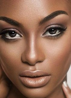 Round Up: Our Favorite Bridal Makeup Looks enchanting gaze. make-up by shaylaenchanting gaze. make-up by shayla Bridal Makeup Looks, Natural Wedding Makeup, Natural Makeup, Black Bridal Makeup, Natural Eyebrows, Natural Lips, Flawless Makeup, Gorgeous Makeup, Flawless Face