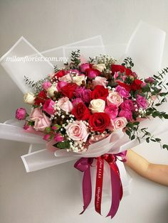Floral Bouquets, Wedding Bouquets, Wedding Flowers, Bouquet Wrap, Rose Bouquet, Flowers In The Attic, Flower Packaging, Rose Arrangements, Flower Wallpaper