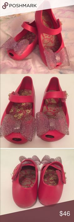 Mini Melissa Minnie Mouse shoes Discontinued Mini Melissa Minnie Mouse big bow shoes! Size 8(6 inches long) cute comfy and stylish Mini Melissa Shoes