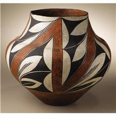 Acoma Polychrome Pottery Jar - Old Heritage Auctions Native American Baskets, Native American Pottery, Native American Artists, Southwest Pottery, Southwest Art, Pottery Painting, Pottery Art, Pueblo Pottery, Pottery Designs