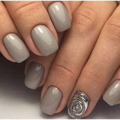 Everyday nails, Grey nails, Grey nails ideas, Grey nails with a pattern, Ideas of plain nails, Rose nail art, Short nails 2017, Silver painted nails