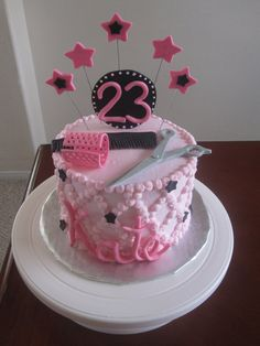 hairdresser cake - Google Search Hair Stylist Cake, Hairdresser Cake, Birthday Cakes, Birthday Ideas, Cake Decorating, Projects To Try, Hairdressers, Cookies, Pixies