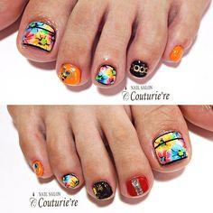 フィルで長持ちしていただたお客様に footジェルも施術させていただきました🎵 こちらもお客様のセンスで作り上げたデザイン✨ ✣左足の薬指はスタッズに見立てた手描きスタッズ✣ 足用に小さいパーツもっと出ないかなぁ〜無ければ私は描きます!!💁 ・ #footnail#footart#フットネイル#夏ネイル#summernails#フラワーネイル#花柄#暖色#手描き#スタッズ#静岡#trend#ネイル#静岡市ネイル#デザイン#おしゃれ#手描きネイル#paint#nails#swarovski#beautiful#art#design#ペイント#nailart#fashion#nailstagram#instanail#カッコイイcute#flower  姉妹Instagramはこちらから↓ @couturie.re.shizuoka  @couturie.re_staff
