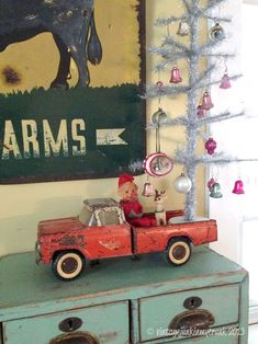 Vintage Junk in My Trunk Christmas Tree Art, Cowboy Christmas, Christmas Truck, Christmas Mantels, Primitive Christmas, Retro Christmas, Christmas Love, Country Christmas, Christmas Snowman