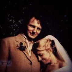 Liam Neeson and Natasha Richardson wedding 1994 Hollywood Couples, Hollywood Wedding, Old Hollywood, Celebrity Wedding Photos, Celebrity Couples, Celebrity Weddings, Star Wedding, Wedding Couples, Wedding Pictures