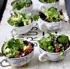 Pote de salada. Porção ideal para servir em festa.