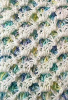 Reversible 2-color crochet shells