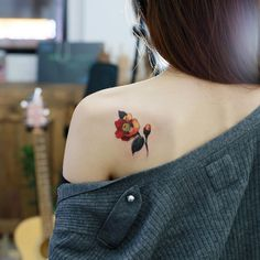 : 동백꽃 . #tattoo #tattoos #tattooing #art #tattooistdoy #inkedwall #design #drawing #타투 #타투이스트도이 #SwashRotary #dynamic #intenz #silverback #BellLiner #BellNiddle #TattooSupplyBell #flower