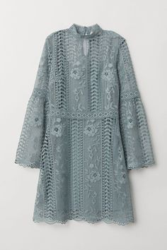 H&M Lace Dress - Turquoise Short lace dress with a small stand-up collar. Opening at back of neck with button, long trumpet sleeves, and attached jersey liner dress. Kebaya Lace, Kebaya Hijab, Kebaya Dress, Short Gris, Model Kebaya, Cocktail Bridesmaid Dresses, Wedding Dresses, Dress Brokat, Look Short