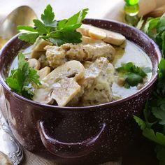 Pollo en salsa de Almendras y champignones