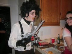 A near-screen-accurate replica costume prop of the gloves worn by Edward Scissorhands, made primarily of wood & foam. Edward Scissorhands Gloves, Diy Costumes, Films, Movies, Diorama, Behance, Halloween, Dark, Cinema