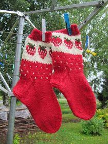 Children's alpaca wool socks K Wool Socks, Knitting Socks, Strawberry Farm, Strawberry Patch, Kids Socks, Designer Socks, Alpaca Wool, Knitting Patterns Free, Socks