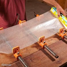 Woodworking Shop Cover Bar Clamps With Wax Paper - Speed up your woodworking projects, improve the quality of glue connections and make your project look better with these tips for gluing wood. Woodworking Guide, Woodworking Joints, Woodworking Furniture, Custom Woodworking, Fine Woodworking, Woodworking Projects Plans, Popular Woodworking, Woodworking Magazines, Woodworking Articles