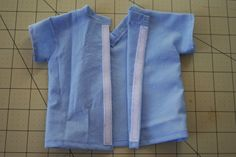 Pattern & Tutorial - scrub top for a doll