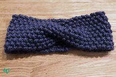 Du willst ein Twist Stirnband im Perlmuster stricken? Hier findest du eine einfache und kostenlose Anleitung. Auch für Anfänger geeignet!