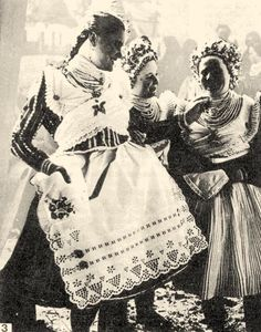 Buják girls from the (Hungary) Folk Costume, Costumes, Capital Of Hungary, Civil War Fashion, Hungarian Embroidery, Folk Dance, Cultural Experience, World Cultures, Fashion History