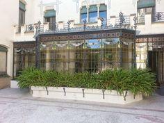 http://km369.blogspot.com.es/2013/10/terrassa-la-casa-alegre-de-sagrera.html