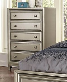 Home Elegance Hedy Chest 1839-9