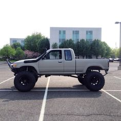 More from toyotaholics. Toyota Pickup 4x4, Toyota Tacoma 4x4, Toyota Trucks, Toyota Hilux, Lifted Trucks, Pickup Trucks, Tacoma 2000, Pick Up 4x4, Rc Drift Cars