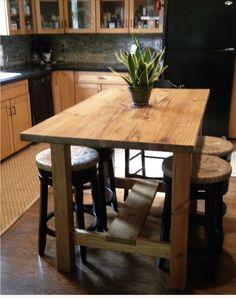 Lovely Cottage Oak Dining Set
