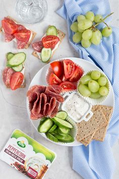 Adult Lunchable! Make your own delicious, healthy lunchable with salami (any deli meat), Arla cream cheese, sliced vegetables, and crackers! Great for a kid-friendly school lunch too!