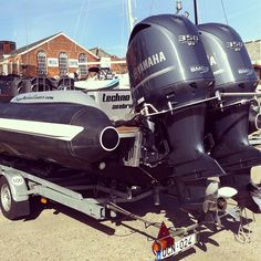 Technohull 999 with twin F350 and race props....NICE! #offshore #yamaha #700HP