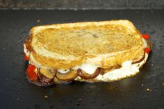 Roasted Red Bell Peppers, Sauteed Mushroom and Provolone Cheese Grilled Cheese Sandwiches | Cooking-Outdoors.com
