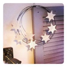 Couronne étoilée > fil de fer recuit et étoiles en papier