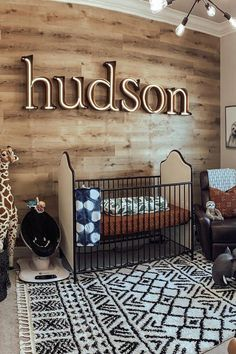baby boy nursery room ideas 190980840436602335 - Move over white shiplap, this natural wood wall is SO GOOD! It's making us want a wood wall in our house riiiiight about now! Image: Kayla Mulvania Source by projectnursery Baby Boy Rooms, Baby Bedroom, Baby Boy Nurseries, Baby Room Decor, Nursery Room, Kids Bedroom, Wood Wall Nursery, Baby Nursery Ideas For Boy, Country Baby Rooms