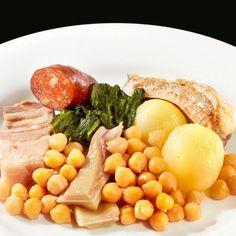 Cocido Gallego (Formato familiar): Plato en el que se mezclan una gran cantidad de sabores, en el que se necesita invertir mucho tiempo para que todos sus ingredientes queden en su punto. #codido #gallego #comida