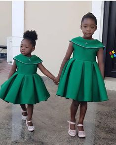 Purity, the older one, is a spitting image of her mother. The post Adorable photo of Mercy Johnson's daughters, Purity & Angel appeared fir. African Dresses For Kids, Latest African Fashion Dresses, African Dresses For Women, Latest Fashion, Baby Girl Party Dresses, Little Girl Dresses, Kids Dress Wear, Princess Dress Kids, Baby Girl Dress Patterns