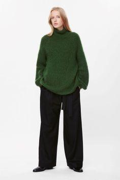 High-neck jumper
