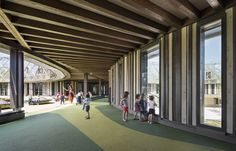 School Group in the Ginko / Joly&Loiret architectural