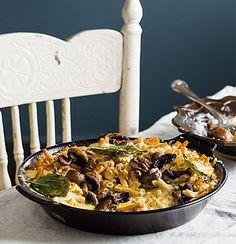Portobellini mushroom macaroni cheese----- can't stop thinking about macaroni and cheese ! Macaroni Cheese Recipes, Cheesy Recipes, Vegetable Puree, Vegetable Side Dishes, Vegetarian Mac And Cheese, Vegetarian Meals, Deli Food, Food Food, Cauliflower Puree